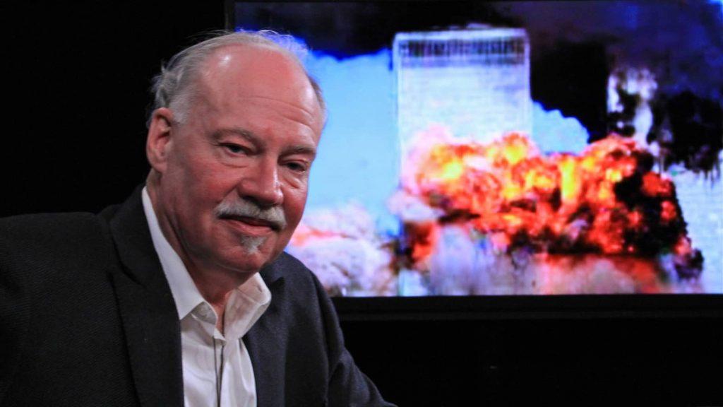 Michael C. Ruppert, bývalý policejní důstojník, popsal, jak souviselo 11. září 2001 s nelegálními obchody na burze.